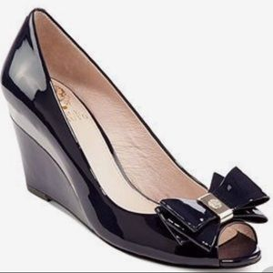NEW Vince Camuto Varro Navy Blue Gold Patent Wedge